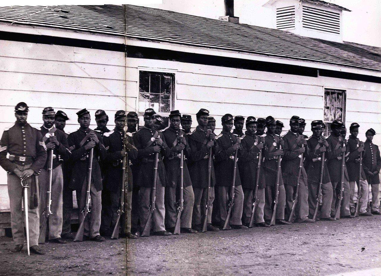 1862-1865. 4-я рота солдат негров в Форте Линкольн