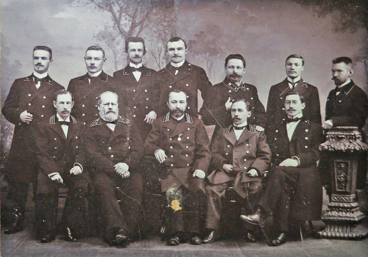 1900. Групповая фотография работы ателье Эдуарда Рейдольфа, Нарва