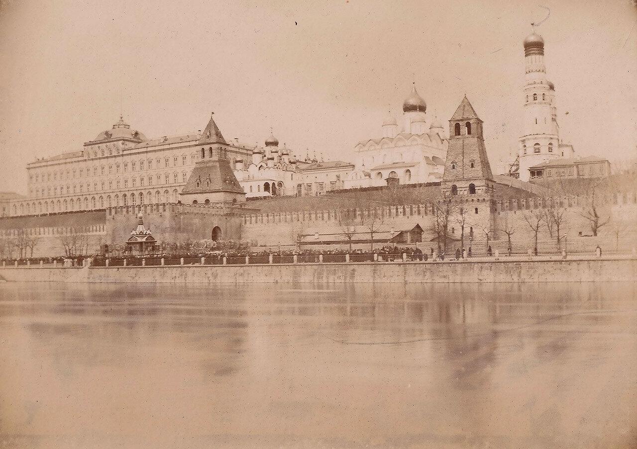 570. Вид на Кремль. 1890-е