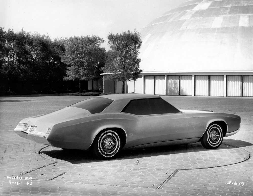 1966 Buick Riveria clay. Photo is dated 9.16.63.jpg