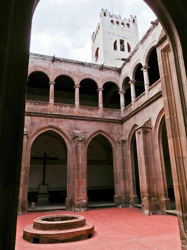 Convento_actopan_1.jpg