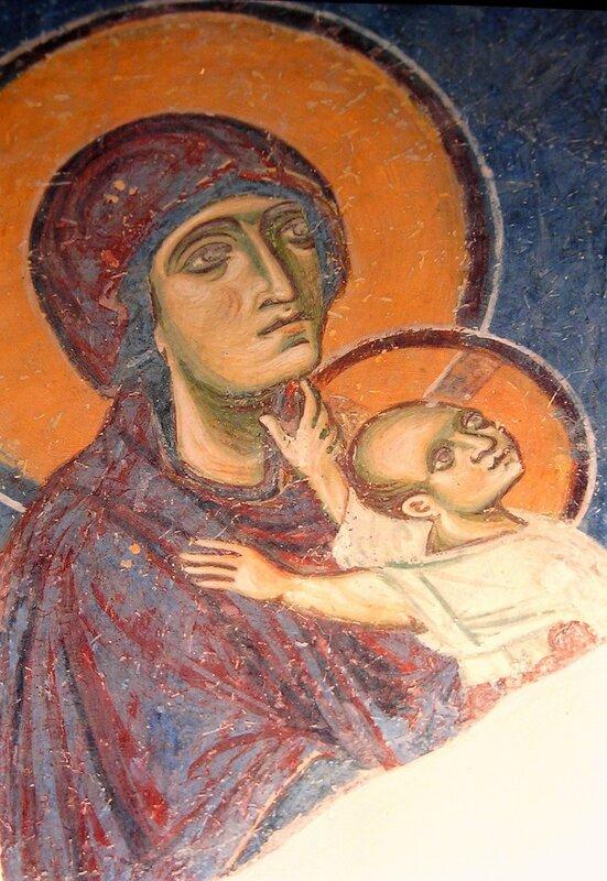 Сретение Господне. Фреска церкви Св. Пантелеимона в Нерези, Македония. 1164 год. Фрагмент. Богородица с Младенцем.