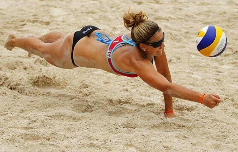 фото девушек пляжный волейбол