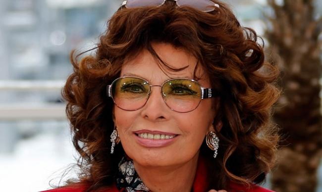 mail Самая красивая актриса итальянского кино впрошлом году была замечена наКаннском международном