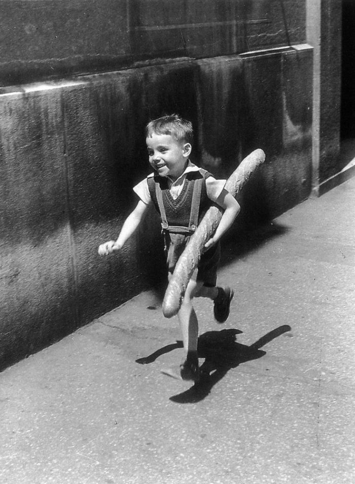 historical-children-playing-photography-34-589dbf118243d__700.jpg