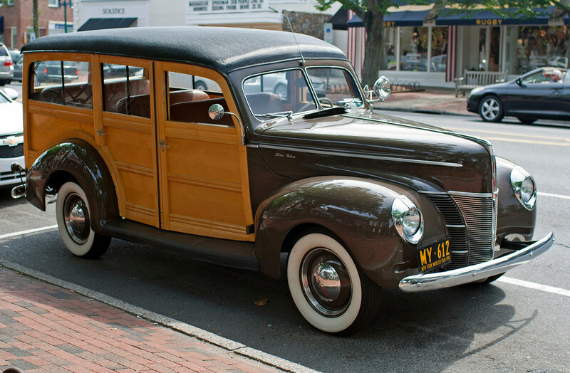 1940_Ford_Woody_Station_Wagon.jpg