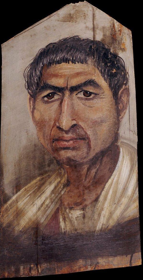 Портрет человека с короткими волосами