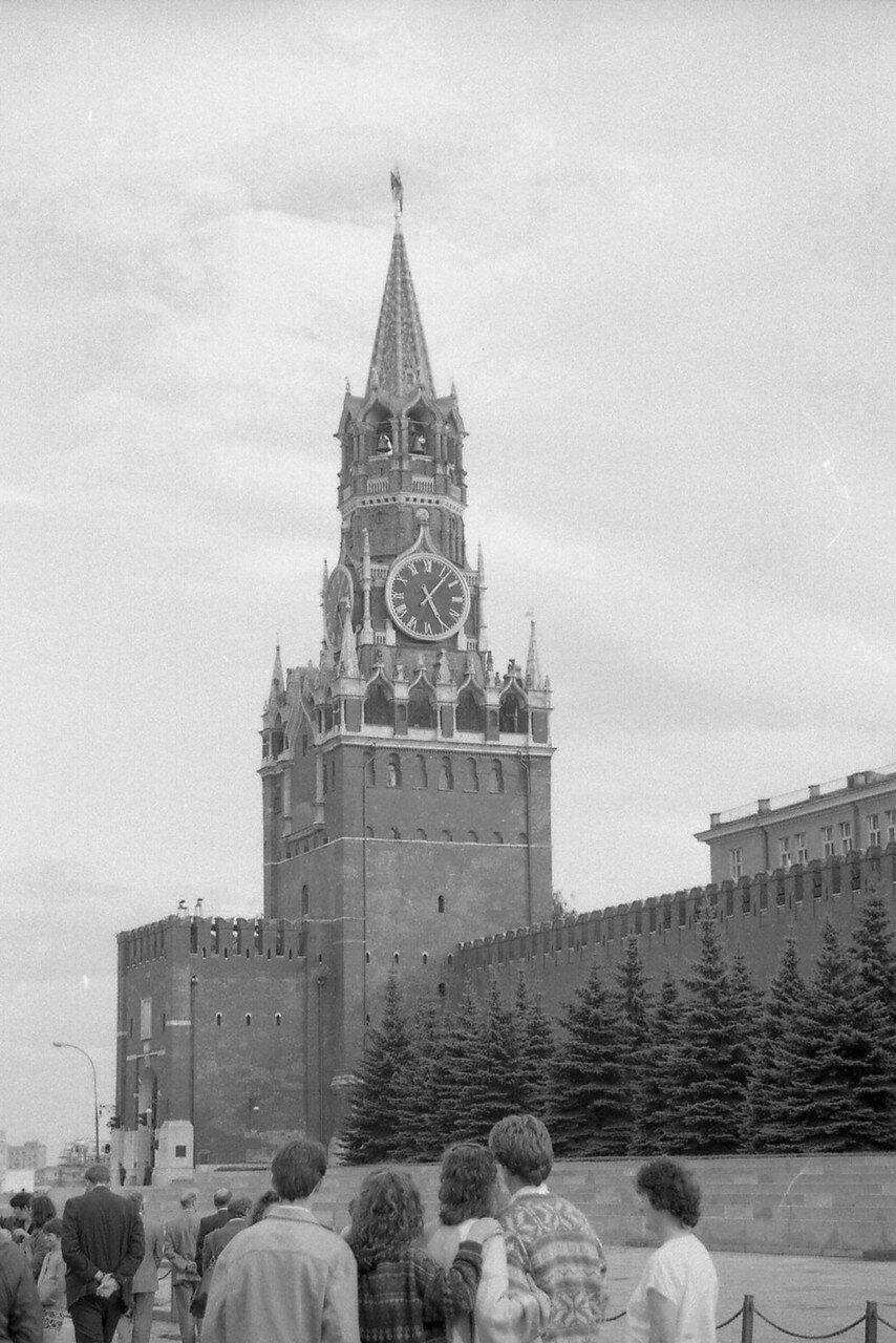 Москва. Красная площадь. Спасская башня Кремля