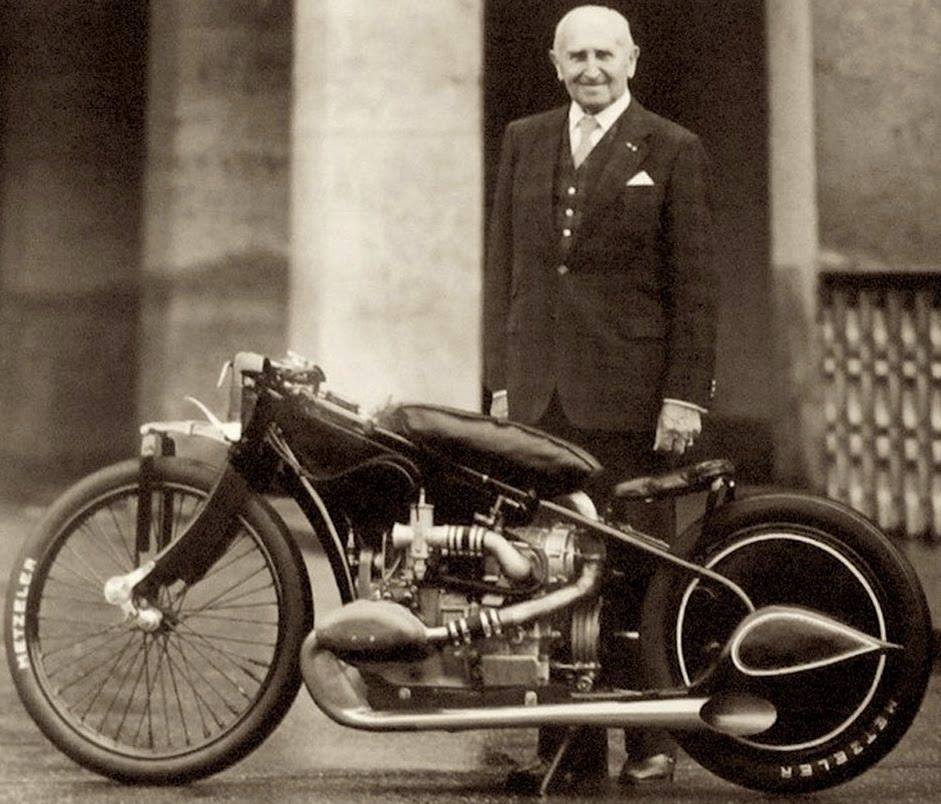 1938 Ernst Henne and his supercharged BMW R37.jpg