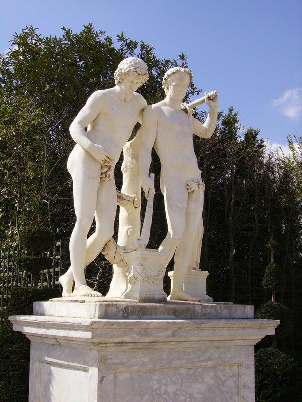 Castor_and_Pollux-Parc_de_Versailles-02-768x1024.jpg