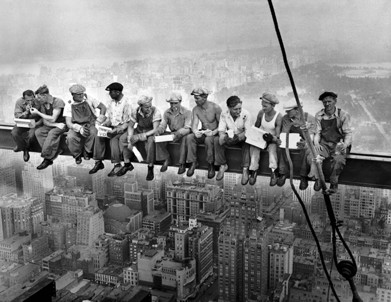Разоблачаем! Действительно ли был обед на вершине небоскреба?