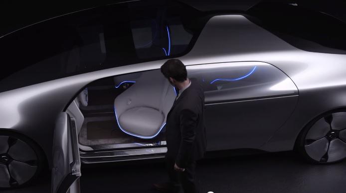 Автомобиль будущего - суперкар на автопилоте