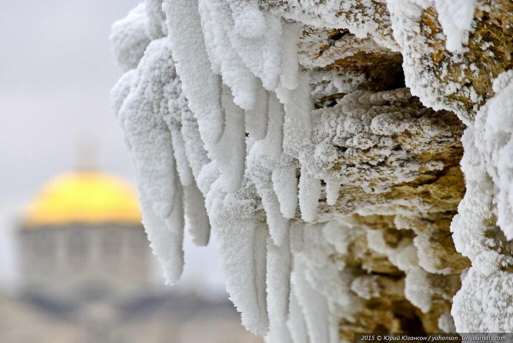 Херсонес зимой скован льдом