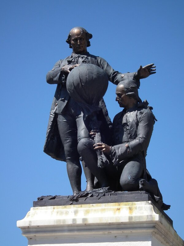 Monument of the Montgolfier brothers in Annonay - Ardèche - France.jpg