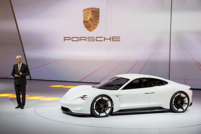 Mission E от Porsche