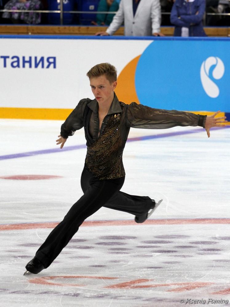 Александр Петров 0_c6409_5a3914f5_orig