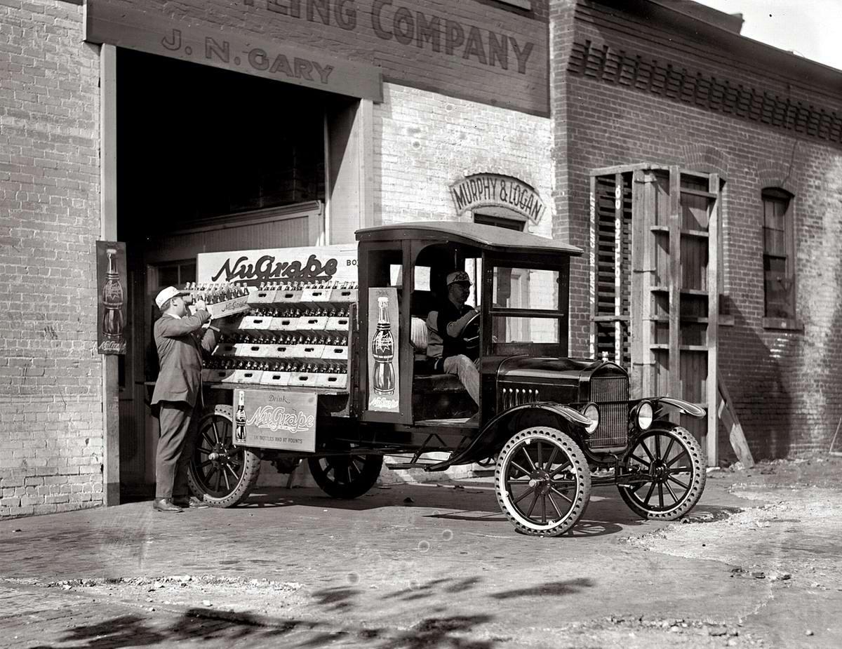 Специализированные транспортные средства начала 20-го века на снимках американских фотографов (47)