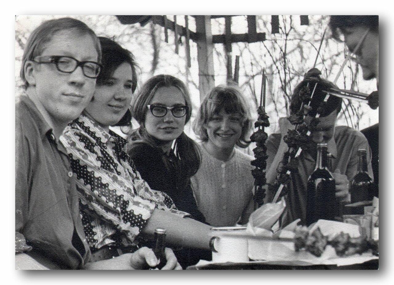 1972-1977. Застолье. Энергетический факультет МИИТа.