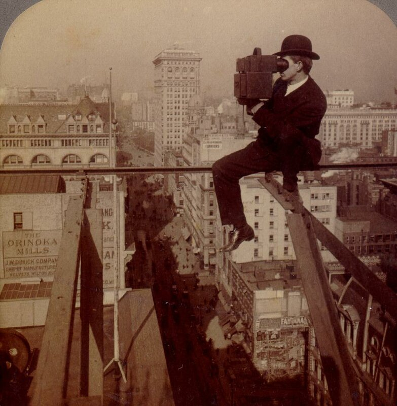 1900 Photographing New York.jpg
