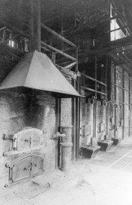 Содовосстановительная печь на заводе.