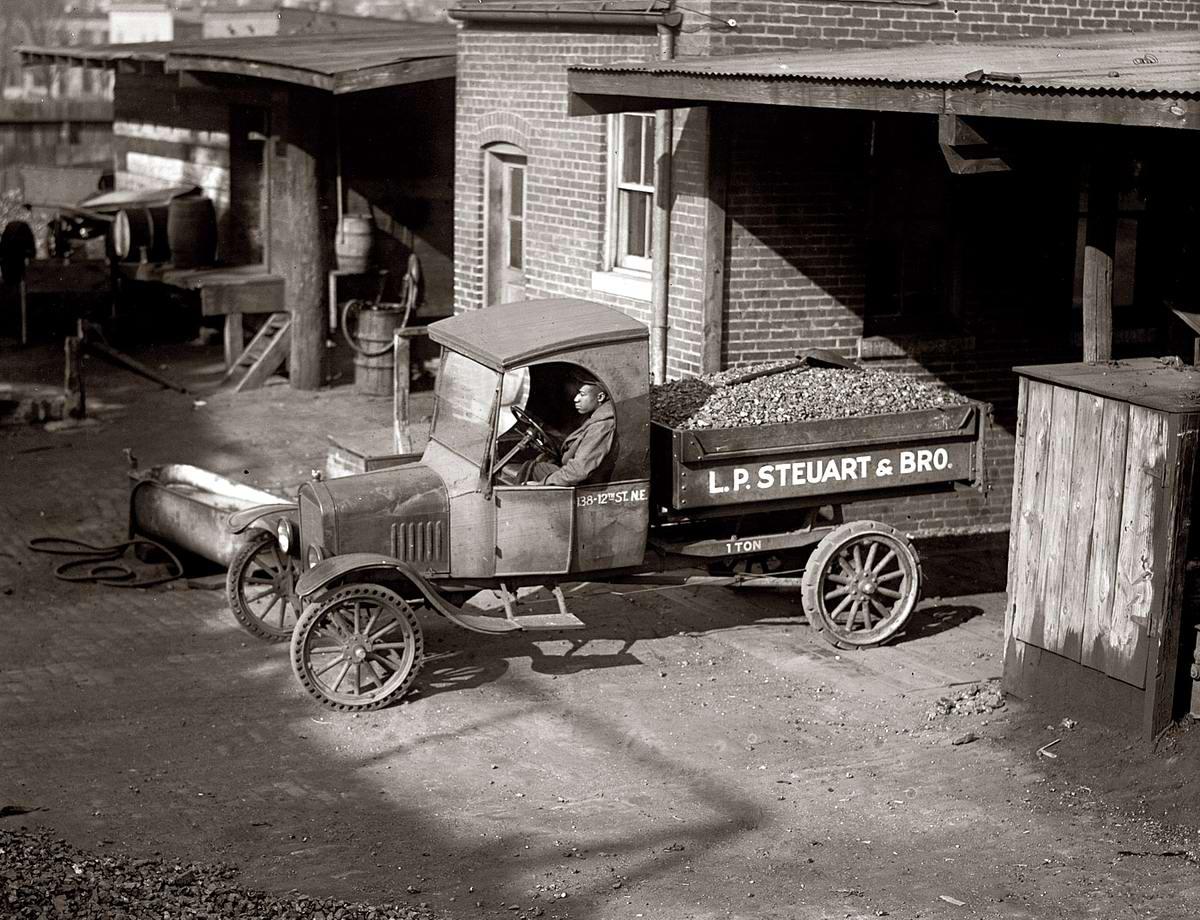 Специализированные транспортные средства начала 20-го века на снимках американских фотографов (48)