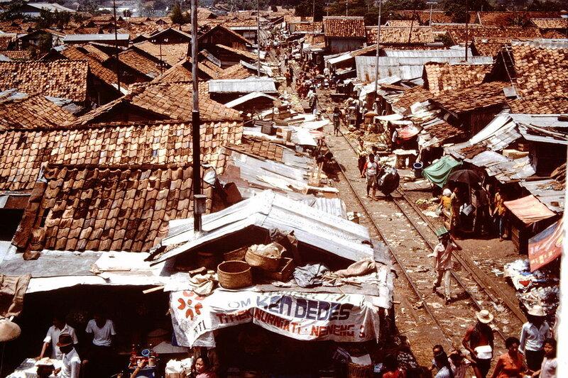 1975 Jakarta railway slum resettlement, Indonesia.JPG