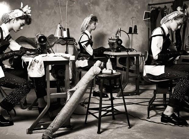 Юлия Бергшоефф (Julia Bergshoeff), Ин Нифс (Ine Neefs), Лекси Болинг (Lexi Boling) и Ванесса Аксент (Vanessa Axente) в журнале Vogue Italia (13 фото)