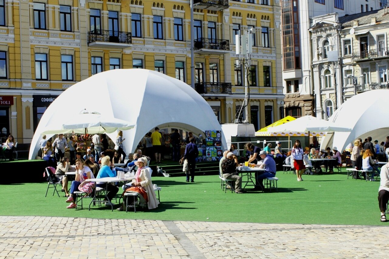 Фуд-корт на Софиевской площади