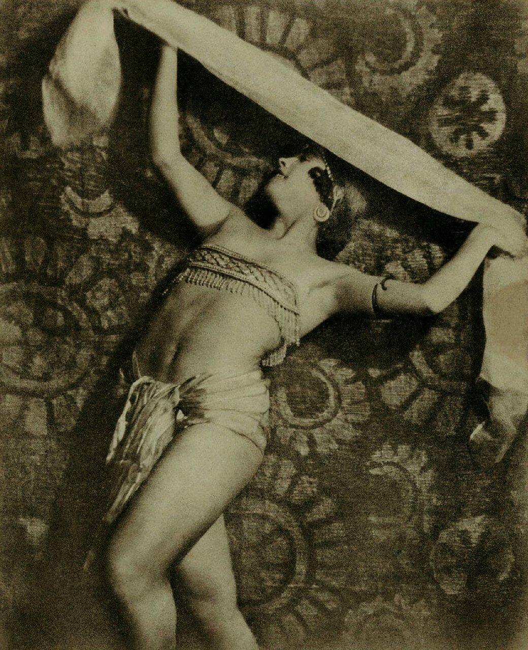 1926. Мария Песчаная. Студия Веры Майя