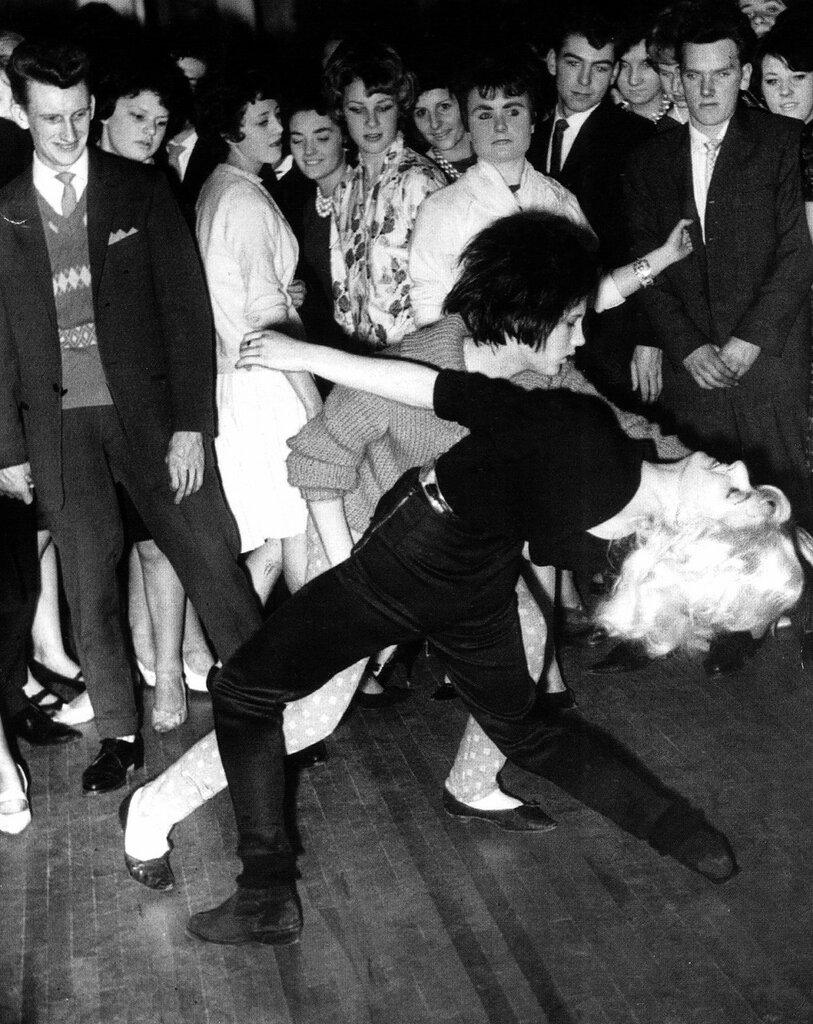 Teens dancing the Twist at the Majestic Ballroom, Newcastle, 1962.jpg