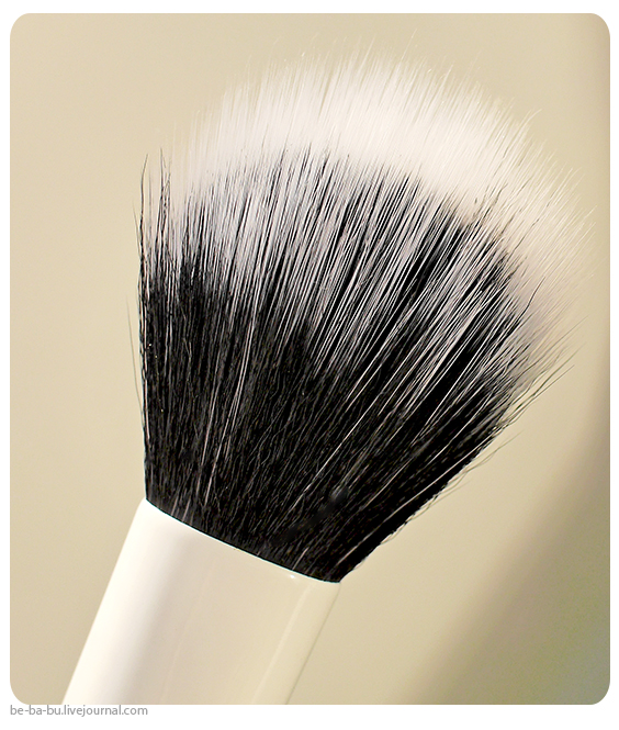 Кисти-iHerb-EcoTools-Skin-Perfecting-Brush-for-BB-CC-Creams-Real-Techniques-Samantha-Chapman-review-отзыв3.jpg