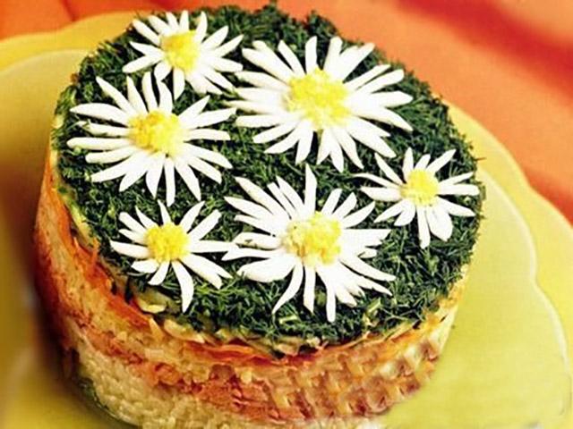 1414044154_recepty-neobychnogo-salata-romashka-1.jpg