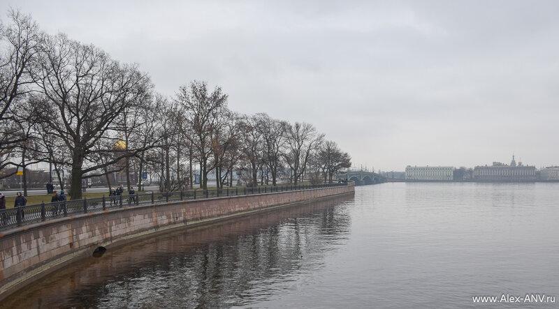Кронверкская набережная и Троицкий мост.