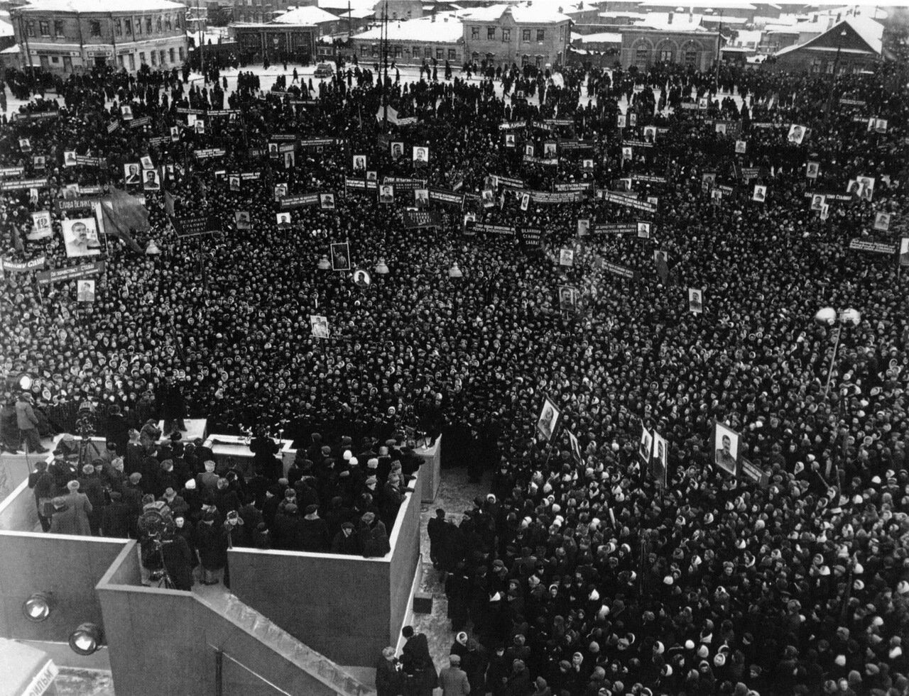 1950. Выборы Иосифа Сталина в Верховный Совет СССР. Митинг в Москве