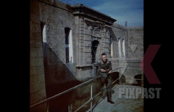 stock-photo-german-luftwaffe-flak-officer-of-the-leichte-flak-abteilung-99-mot-in-fort-de-lile-pelee-cherbourg-france-1940-12969.jpg