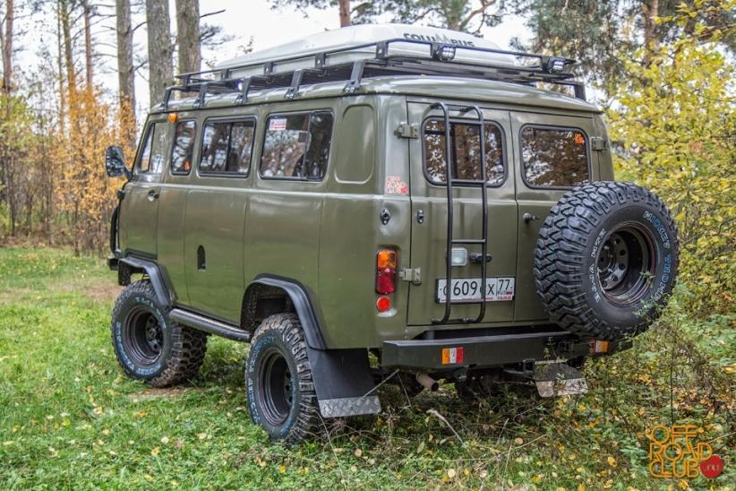 Почему именно УАЗ 2206 стал избранным автомобилем Михаила? Здесь все довольно просто. В задумках авт