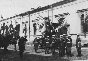 Прощание с персидским шахом Мозафаром-эд-дином у Николаевского вокзала перед его отъездом из Петербурга.