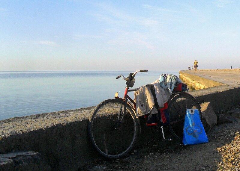 У моря, одежда на велосипеде ... SAM_4462.JPG