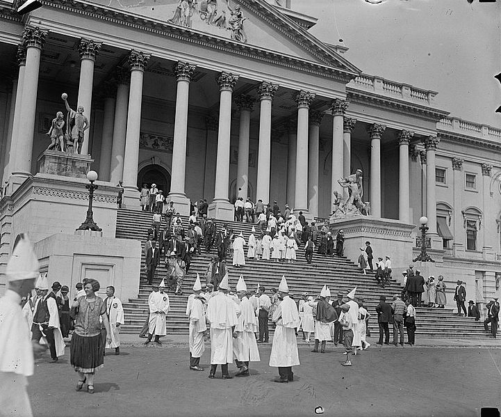 Klansmen_at_Capitol,_1925.jpg