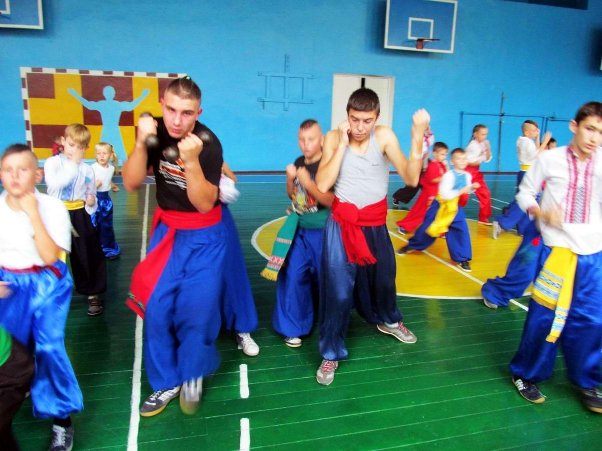Квалификационный групповой экзамен в школе боевого гопака города Нетешин (Хмельницкая область) (10)