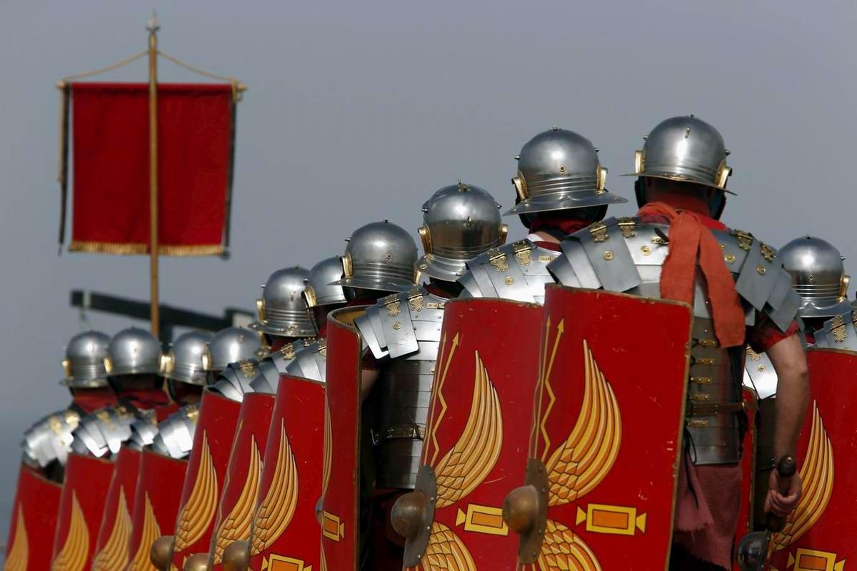 Легионеры армии Древнего Рима: Современный вариант попытки захвата острова Мальта (8)