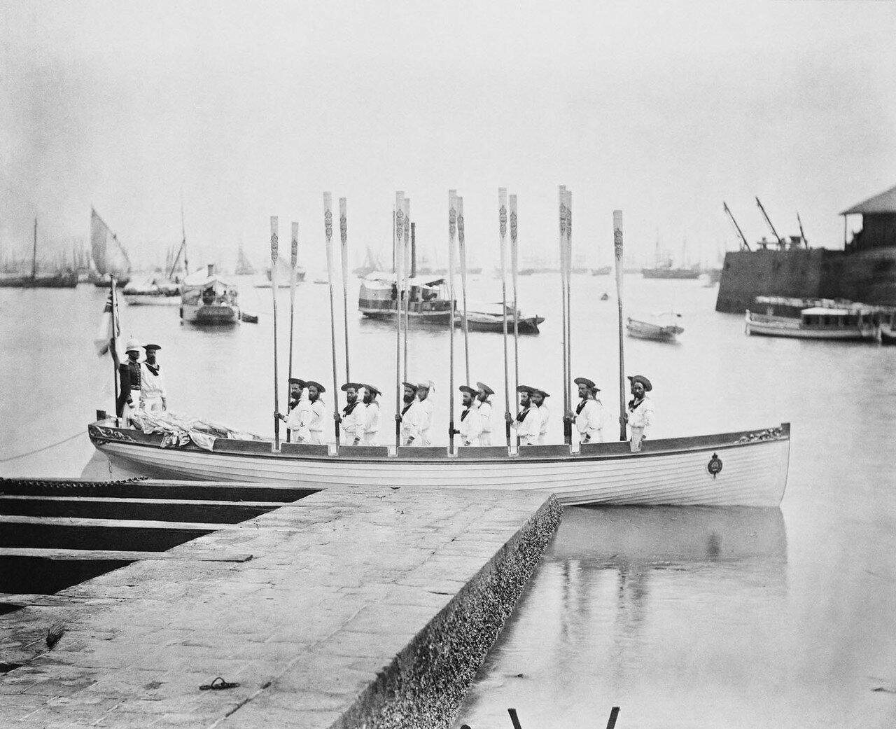 166. Лодка Его Королевского высочества, HMS «Серапис»