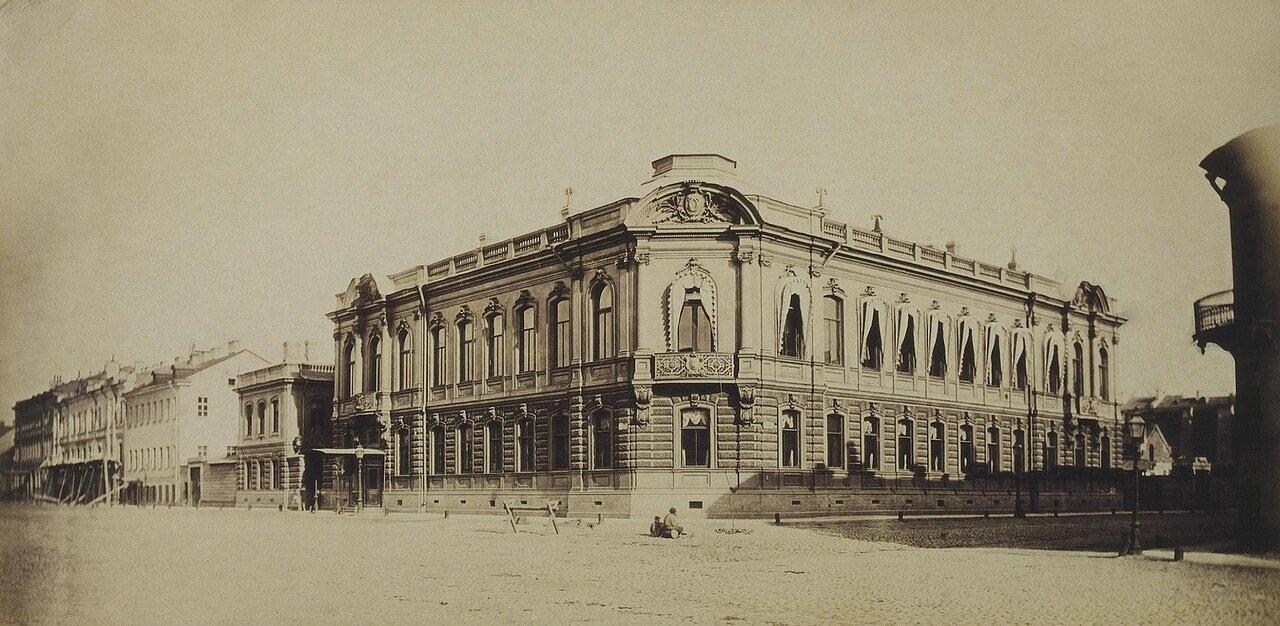 Особняк П.С. Строганова на Сергиевской улице. Вид с угла улицы