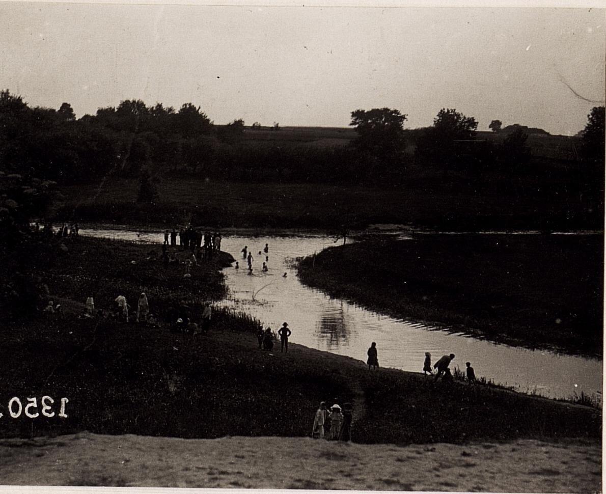 Купание в Луге возле Владимира-Волынского. (28/II.1918.)