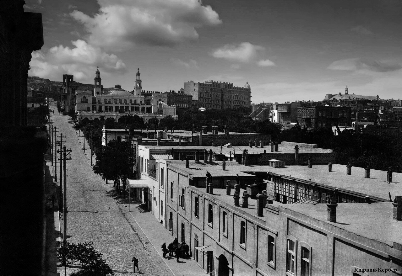 Садовая улица - вид с дома Мирбабаева