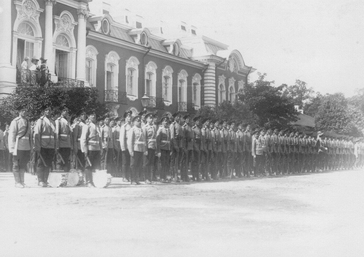 12. Личный состав полка, выстроенный перед началом парада. Петергоф. 29 июня 1913