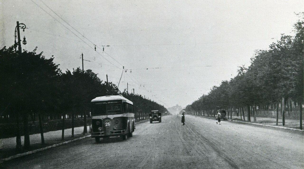 1934-1935. Ленинградское шоссе. Троллейбус ЛК-4 Лазарь Каганович