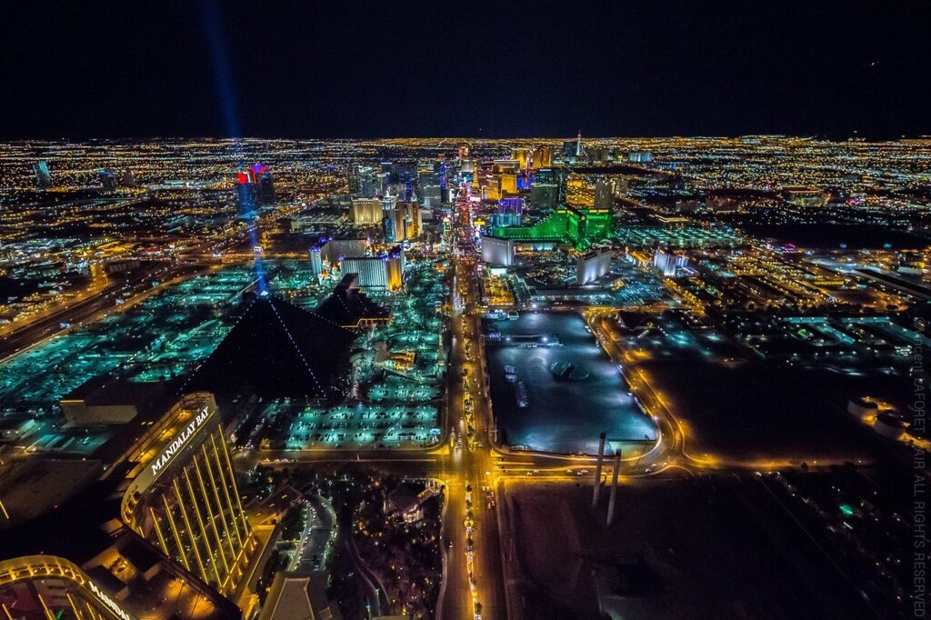 Right amount of wrong, Vincent Laforet above Las Vegas280.jpg