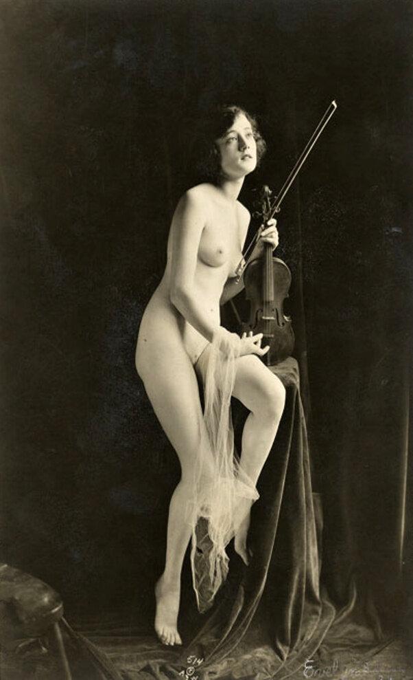 Eva Morrison, 1910.jpg