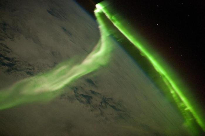 Красивые фотографии полярного сияния 0 10d654 75fbcce8 orig